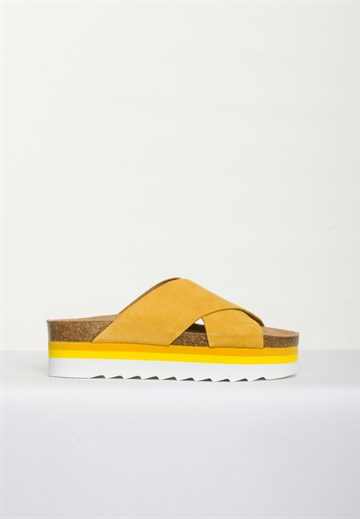 BLUE ON BLUE - DEBB - YELLOW - SANDAL